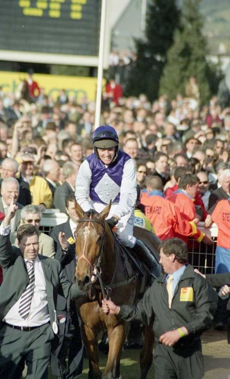 Racehorse Kicking King with Jockey Barry Geraghty